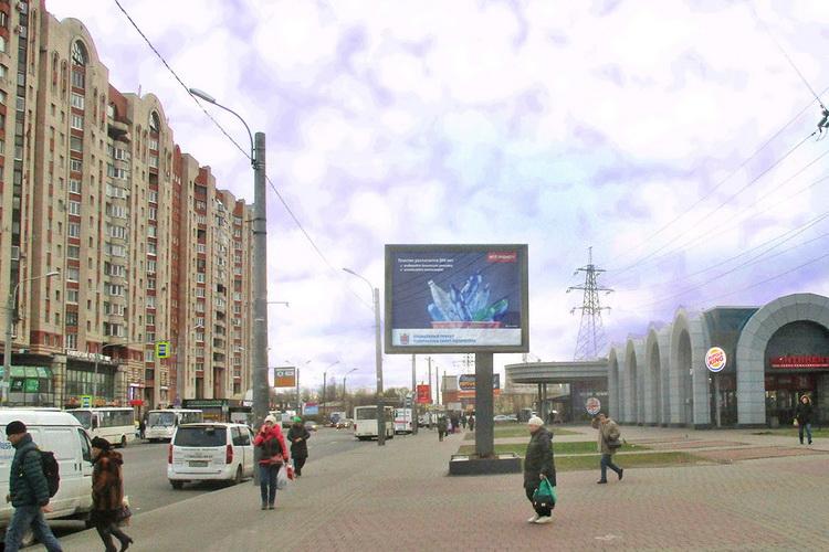 сити-борд у метро звездная