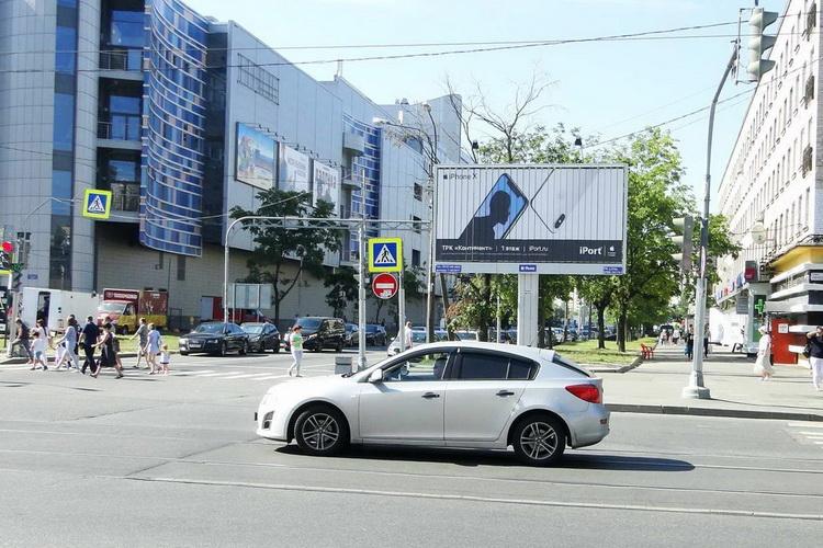 свободный билборд у метро Звездная